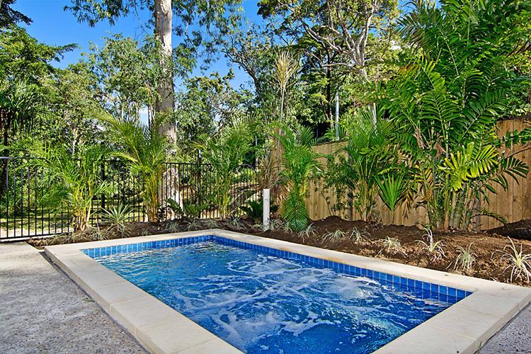 blue-water-pool1
